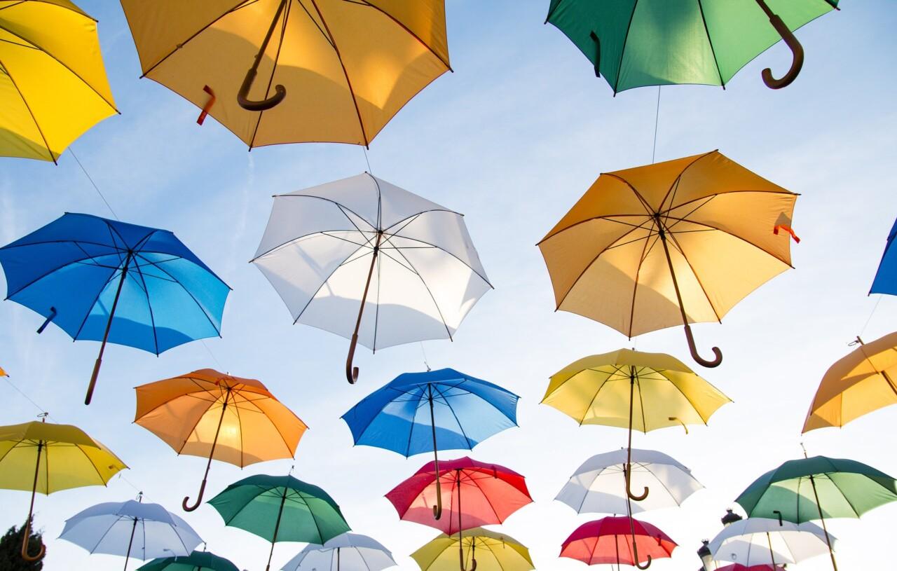 梅雨記事_傘祭り風1